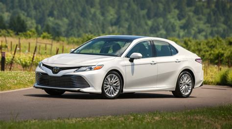 2018 Toyota Camry 4-cyl Review