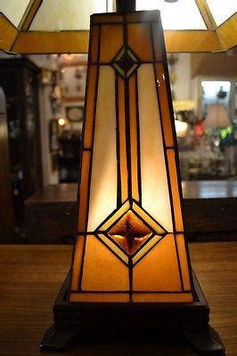 tiffany mission style stained glass table lamp tftl
