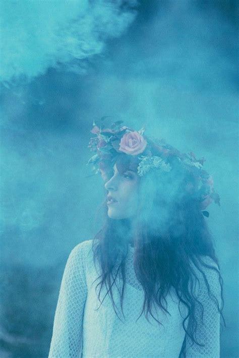 love  deep blue smoke bomb   white outfit