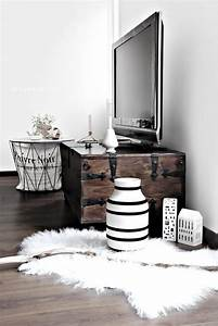 best 25 tv rooms ideas on pinterest tv on wall ideas With idee deco exterieur maison 4 deco coin barbecue
