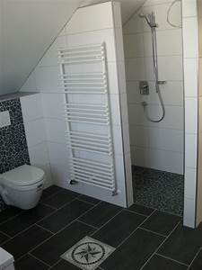 Plastikkisten Mit Deckel : bad im dachgeschoss ~ Frokenaadalensverden.com Haus und Dekorationen