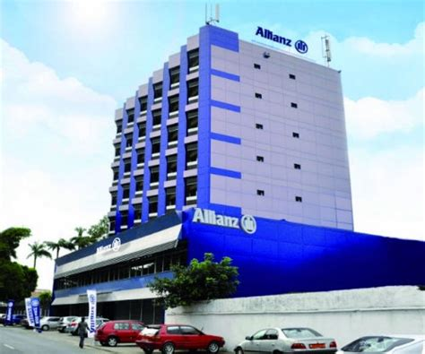 siege allianz cameroun allianz assurances devient le premier