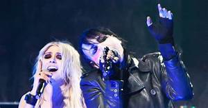 Taylor Momsen performed with Marilyn Manson at the ...