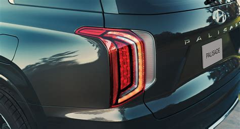 The palisade is offered in three trim levels: Feux arrière à DEL