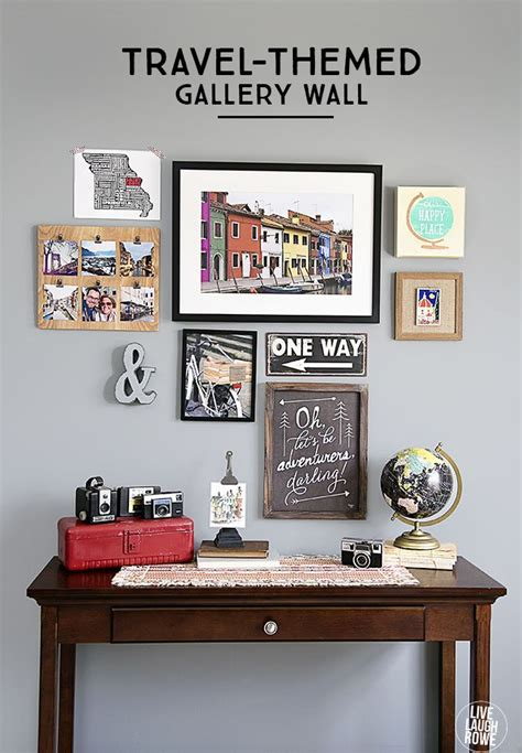 Travelthemed Gallery Wall  Live Laugh Rowe Гостиная