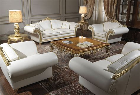 Divani Angolari In Pelle Poltrone E Sofa : Imperial Living Room In White Leather