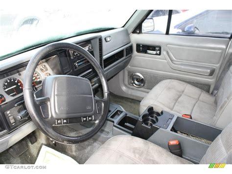 jeep cherokee sport interior 2016 1995 jeep cherokee sport interior photo 59609654