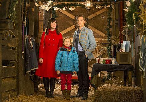 Mazuļa pirmie Ziemassvētki (2012) - Filmas