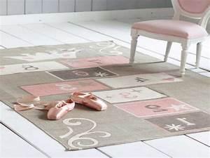 Tapis Enfant Pas Cher : tapis fille pas cher inspirations et tapis chambre ~ Dailycaller-alerts.com Idées de Décoration