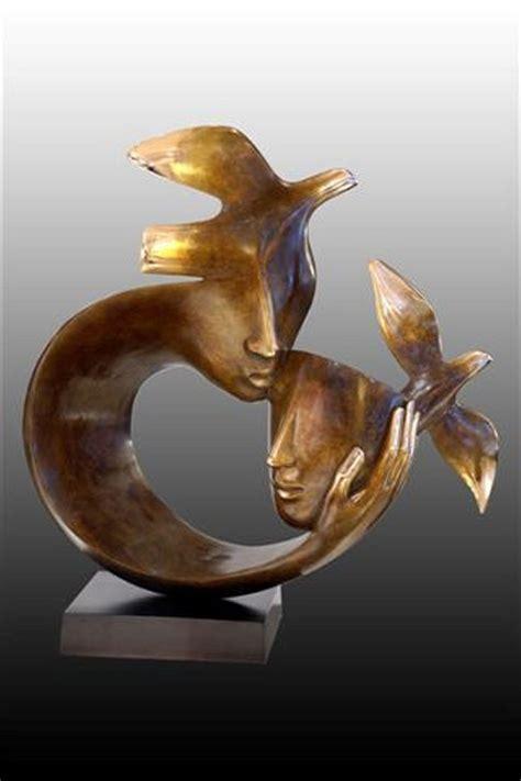 baiser sur le bureau 280 best images about sculptures on sculpture