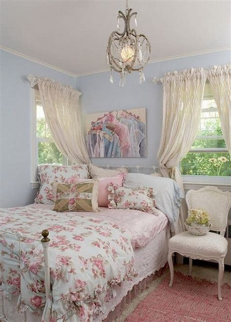 30+ Cool Shabby Chic Bedroom Decorating Ideas For