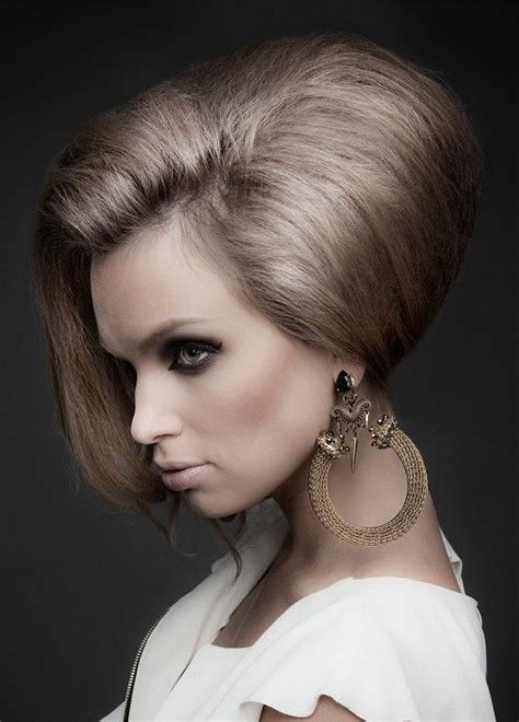 Modern 60s Hairstyles by Modern Beehive Hairdo 60s Hairstyle Trends Bouffant