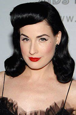 1940s Pompadour Hairstyle by Womens 40s Hairstyle 40s Hairstyles Updos Bangs