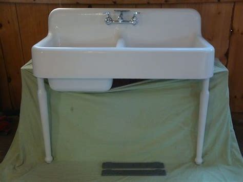 Antique Cast Iron Farm Farmhouse Kitchen Sink & legs