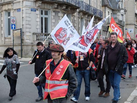 siege medef retrait de la loi travail rassemblement devant le siège