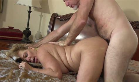 Horny Mature Lady Karen Summer Gets Banged By Aged Jerk