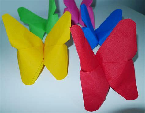 pliage de serviette de table en forme de fleur tropicale un oiseau du paradis r 233 aliser un