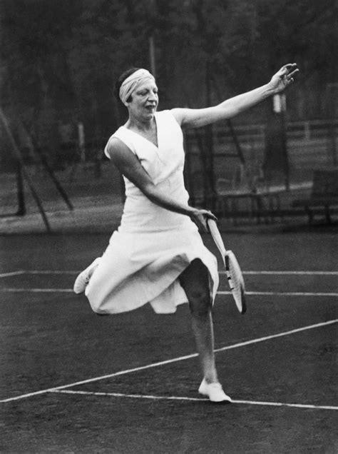 madame figaro cuisine qui était suzanne lenglen pionnière du tennis féminin