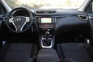 Nissan Qashqai 7 Places : essai vid o nissan qashqa 2 voiture de l 39 ann e ~ Maxctalentgroup.com Avis de Voitures