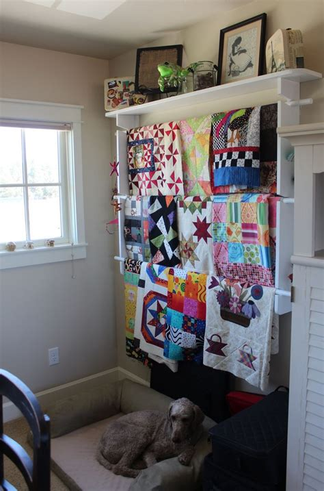 quilt hanger  shelf  walls woodworking projects