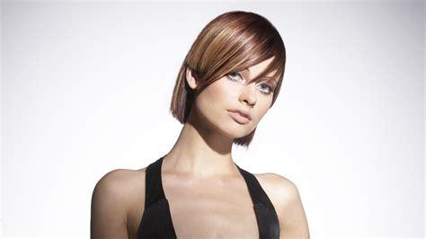 hair cut   ear  straight  vertical
