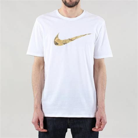 nike apparrel cheap picture framing