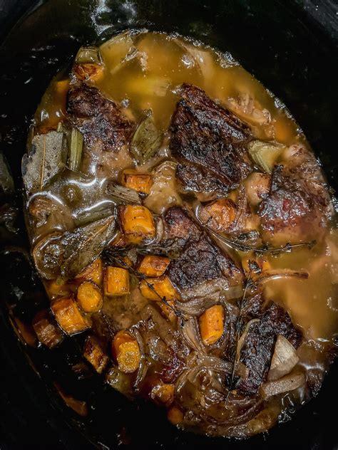 gravy polenta served juices vegetables ribs braised cooker slow short comments