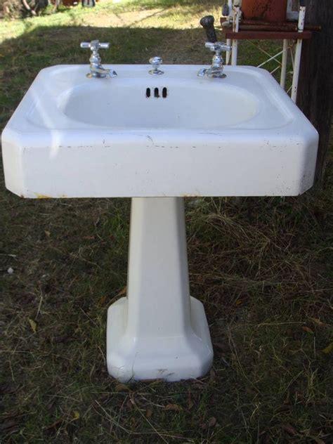 Rare 1938 Cast Iron White Porcelain Pedestal Sink