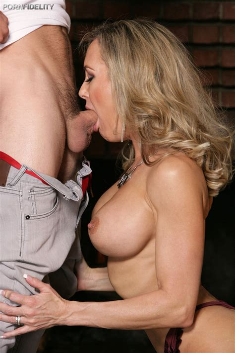 Mature Porn Star Brandi Love Fucks A Young Stud 1 Of 2