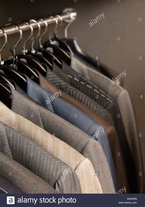 business garderobe herren welldressed stockfotos welldressed bilder alamy