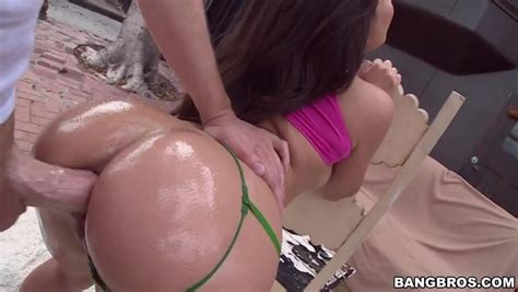 Gorgeous Oiled Latina Teen Is Enjoying Hardcore Anal Sex