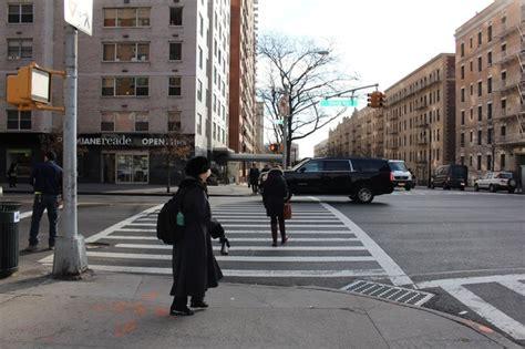 new york instinct puts pedestrians at risk crossing ues