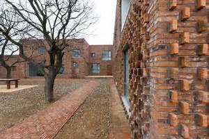Galeria de Casa Tijolo / AZL architects