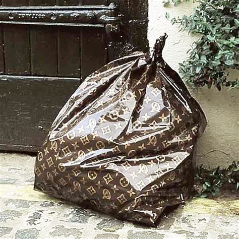 louis vuitton trash bag claude el khal zb 233 l 233 sign 233 e