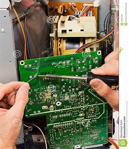 Repair Of Circuit Board Royalty Free Stock Photos