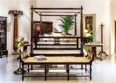 bring  touch  colonial style   home