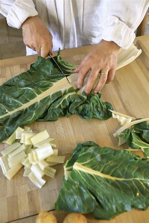 comment cuisiner les chanterelles blette comment cuisiner les blettes régal