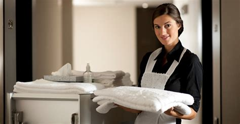 uniforme femme de chambre hotel tips of housekeeping in a hotel