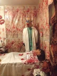 Cubicle Decoration Ideas For Halloween by Best 25 Asylum Halloween Ideas On Pinterest Insane