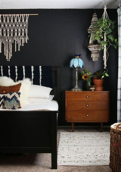 black painted bedroom best 25 dark bedroom walls ideas on pinterest dark 10867 | aa22efdbbb1db22f33c997905da38a42 dark bedrooms black walls bedroom