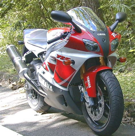 Yamaha R7 by Yamaha Yzf R7