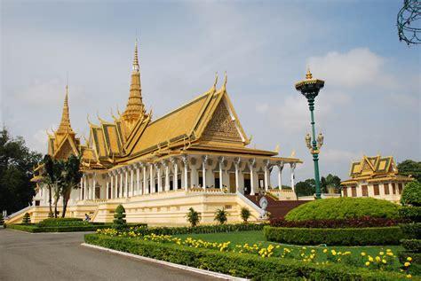 symbole cuisine palais royal de phnom penh hausse du prix des entrées