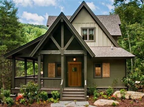 Best 25+ Cabin Exterior Colors Ideas On Pinterest