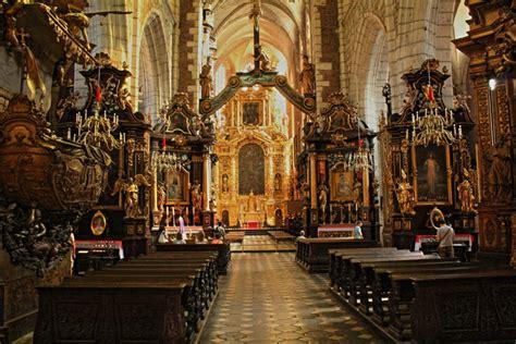 Corpus christi falls on the thursday after trinity sunday, about 60 days after easter. Corpus Christi Basilica - Krakow.wiki