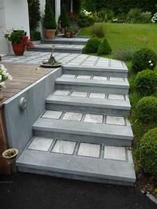 terrasse en pierre et pavage a liege With eclairage allee de jardin 6 un jardin design avec des materiaux ecologiques