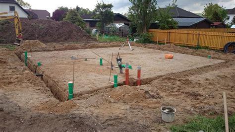 abwasserleitung verlegen kosten bodenplatte haus kosten bodenplatte kosten pro quadratmeter berechnen bodenplatte welche