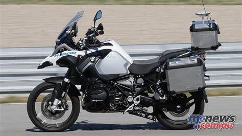 autonomous   gs bmws  driving motorcycle