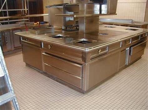 piano professionnel cuisine piano cuisine central tout inox avec hotte matinox