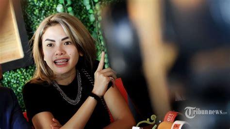 Sebelum Ditangkap Nikita Mirzani Yang Minta Kamar Hotel