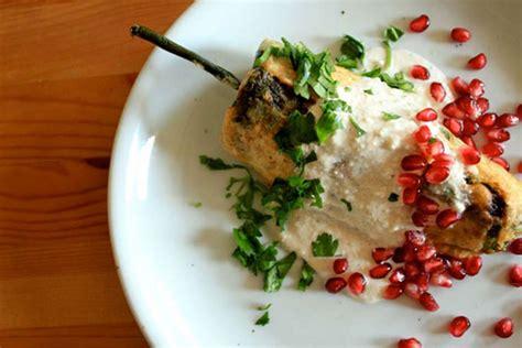 Chiles en Nogada | Recipe | Mexican food recipes, Recipes ...